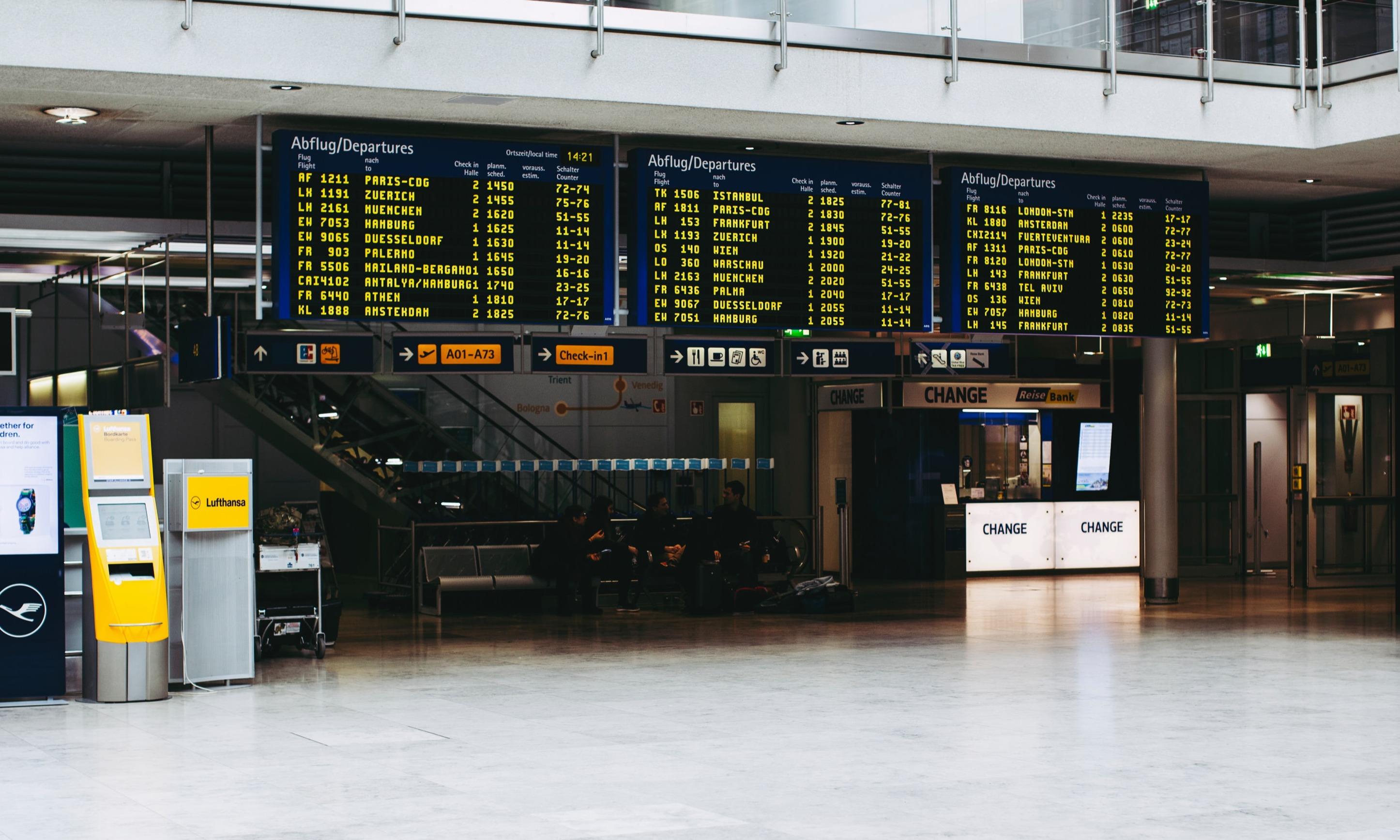 Unterwegs Teil 2 - Am Flughafen | story.one