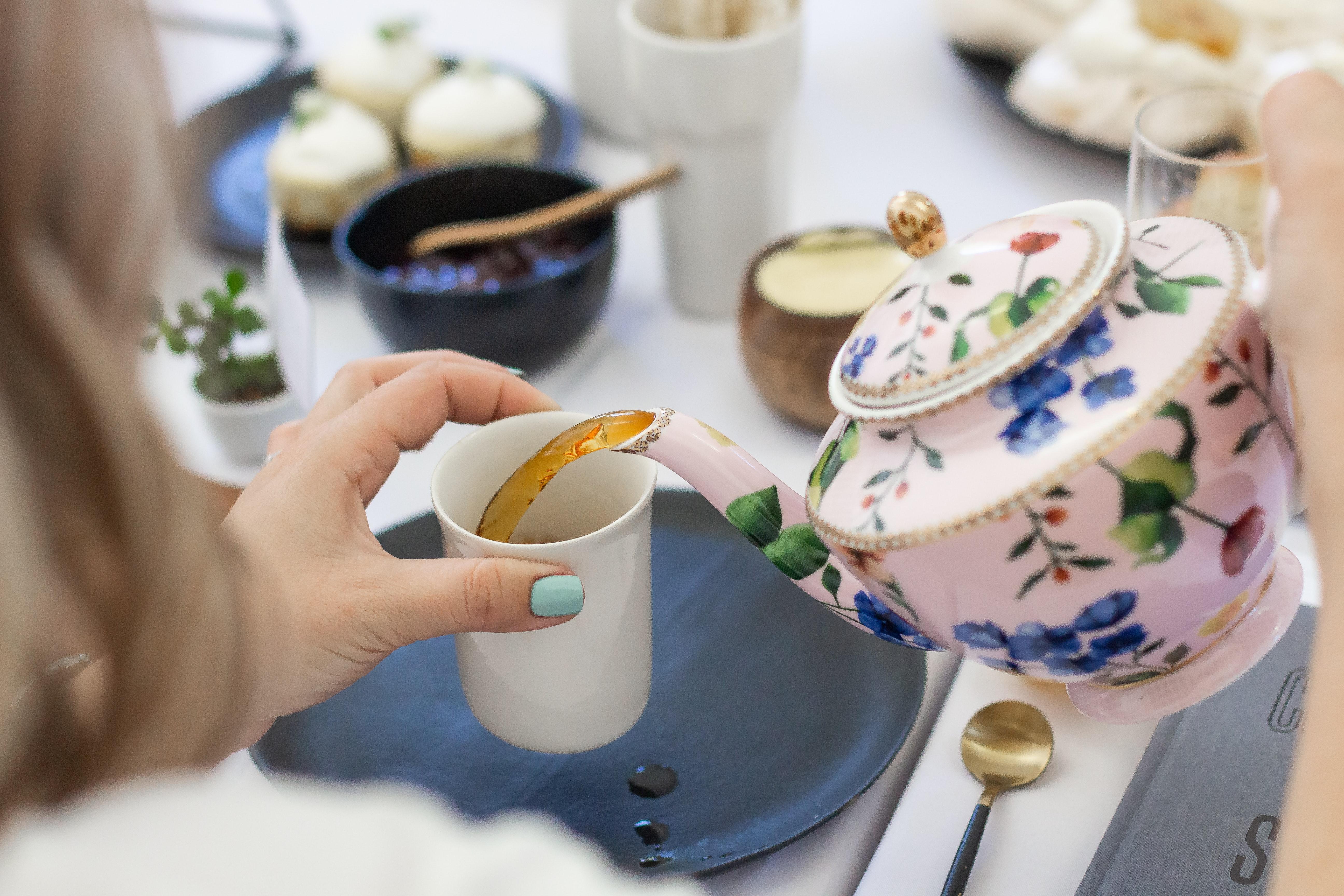 Tea with Geraldine | story.one