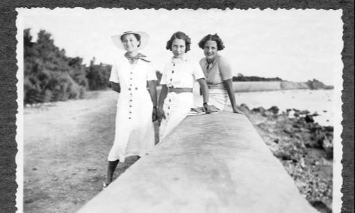 In Welten lebten drei Freundinnen! | story.one