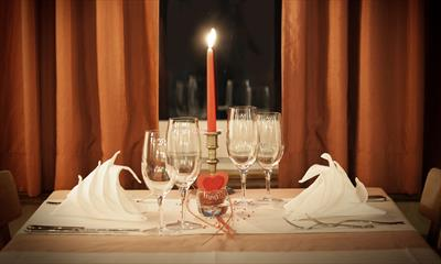 Candle Light Dinner ( I ) | story.one
