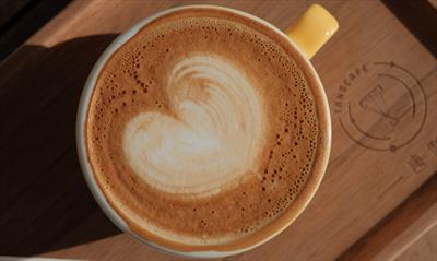 Bei Anruf: Kaffeedate in Tirol | story.one