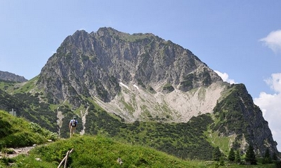 Ein Höhenweg, zwei Seen und drei Gipfel... | story.one