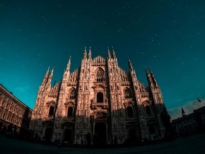 Am Dach des Doms in Mailand #vivaitalia | story.one