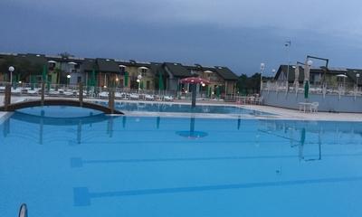 Challenge im Schwimmbad | story.one