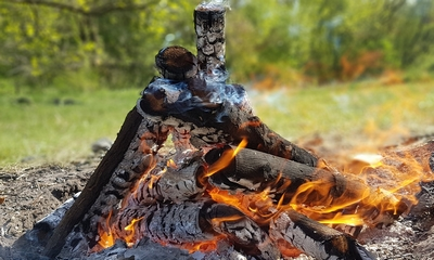 Am Lagerfeuer   story.one