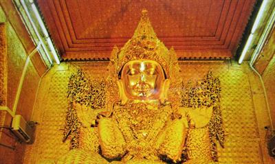 Der Mahamunibuddha in Mandalay | story.one
