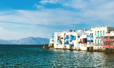 Spätflug nach Mykonos | story.one