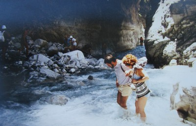 Wir durchwandern die Samariaschlucht. | story.one