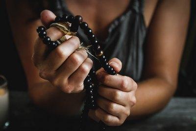 Wer hat Angst vorm Rosenkranz?   story.one