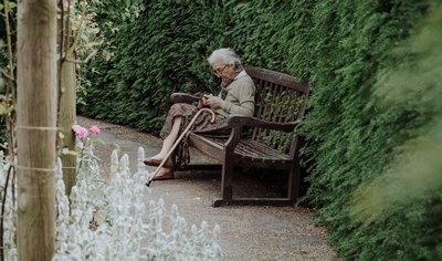 Alt werden - Pflegefall | story.one