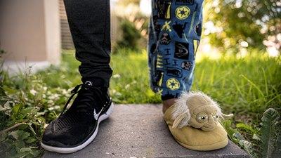 Schuhe und Fußtritte   story.one