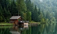 Die Hütte am See | story.one