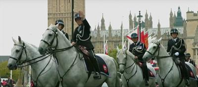 Londons Engel stürzen ab | story.one