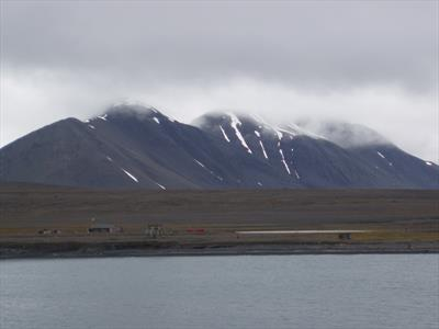 Eine Trapperhütte auf Spitzbergen   story.one