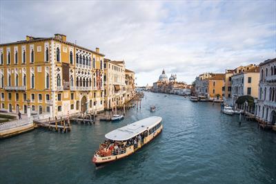 Venedig-Nizza ohne Reisepass | story.one