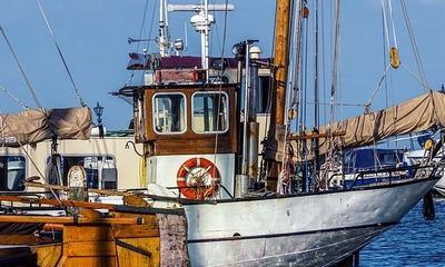 Mit dem Fischerboot im Atlantik | story.one