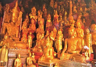 Die Höhle der 8000 Buddhas | story.one