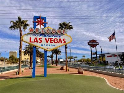 #A9: Crazy Crazy Vegas!   story.one