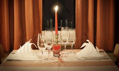 Candle Light Dinner ( II ) | story.one