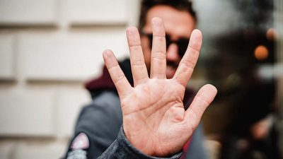 Gimme five! | story.one