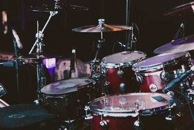 Das Schlagzeug gibt den Takt | story.one
