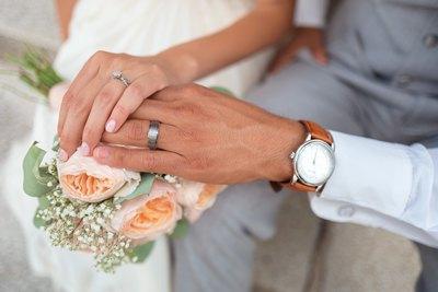 Das Pailletten-Brautkleid | story.one
