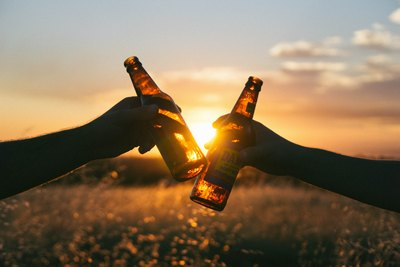 Papa trinkt Bier | story.one